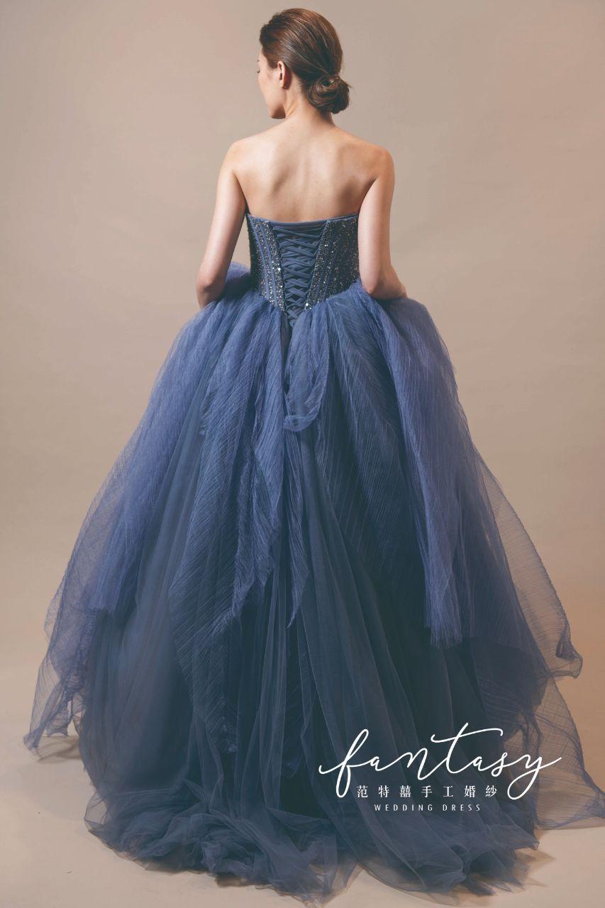 優雅層次藍色晚禮服