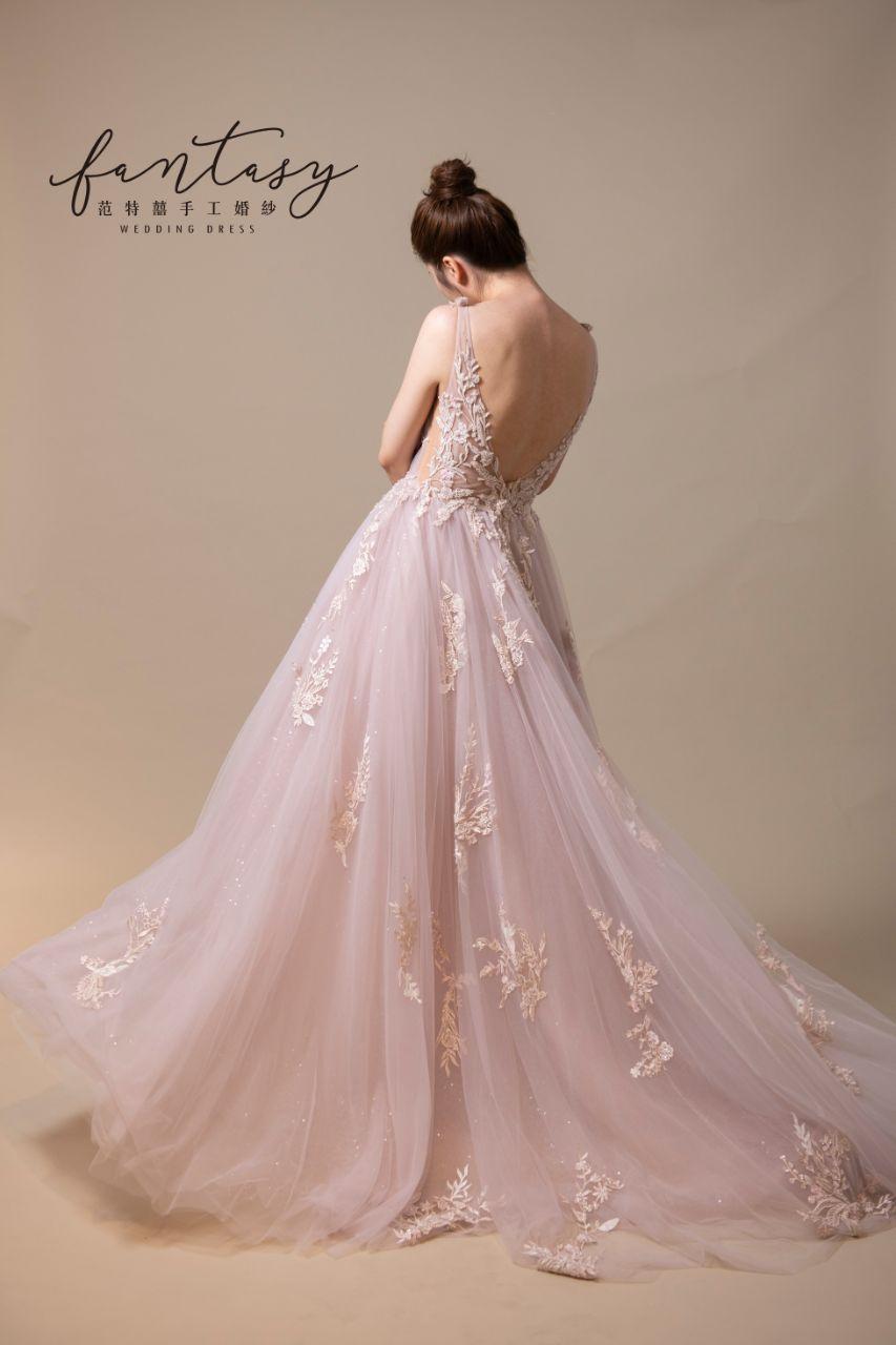 性感V領粉色晚禮服