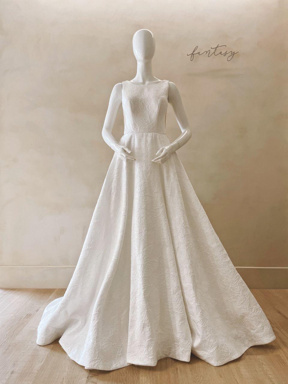 Casablanca品牌白紗